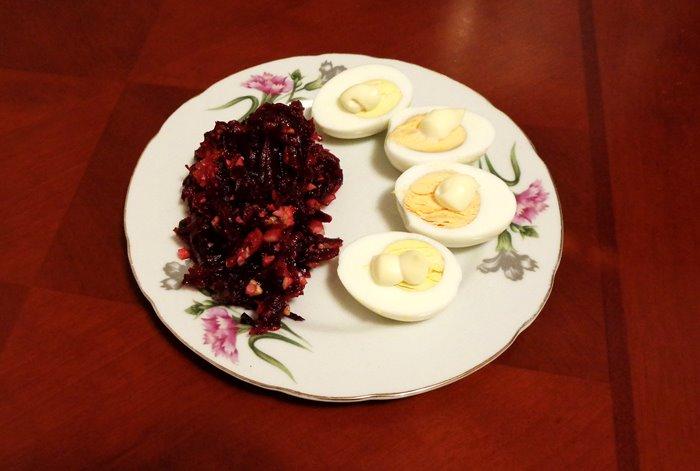 ужин на основе свеклы и яиц