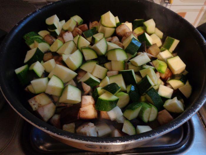 летнее овощное рагу - кабачки