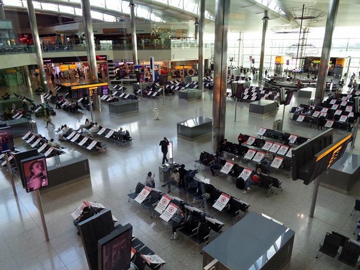 Хитроу, терминал 2 зал ожидания 2020
