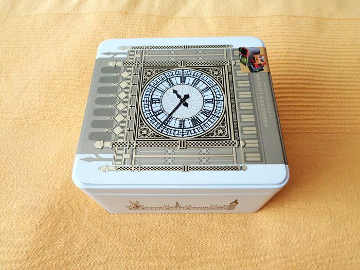 коробка английского чая из Дюти Фри в Хитроу