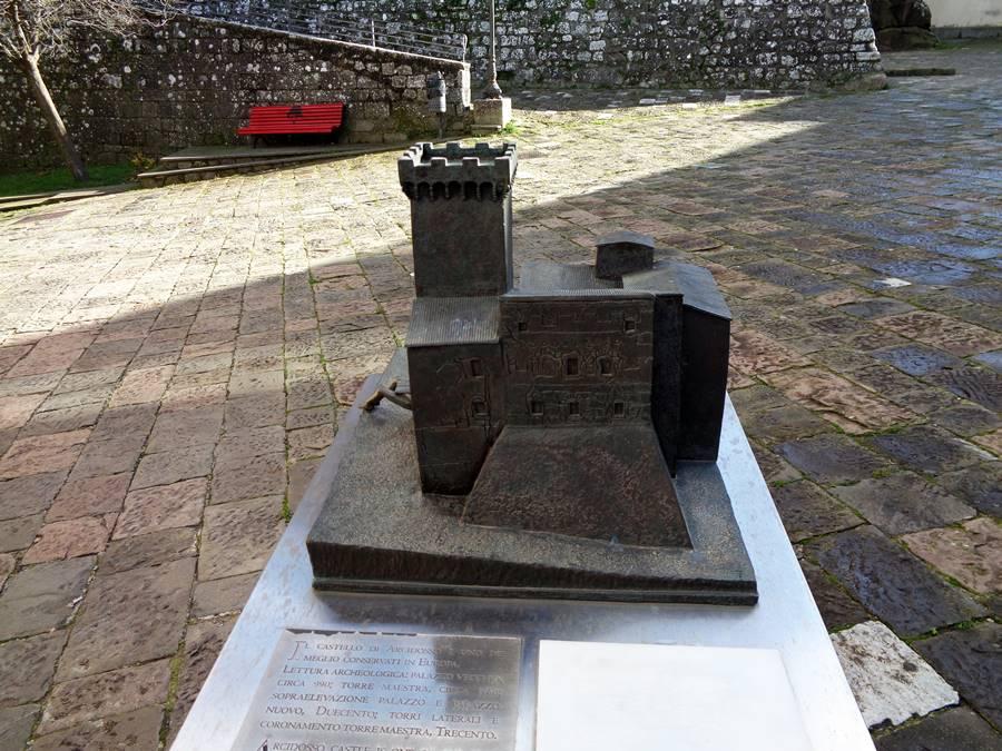 Арчидоссо, крепость-миниатюра