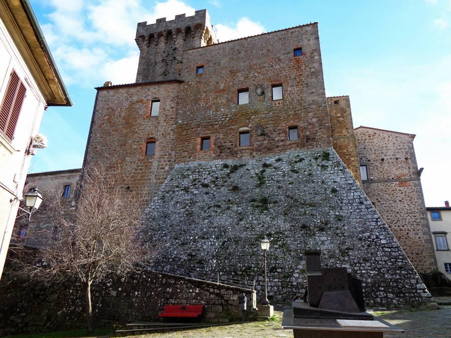 Арчидоссо - две крепости