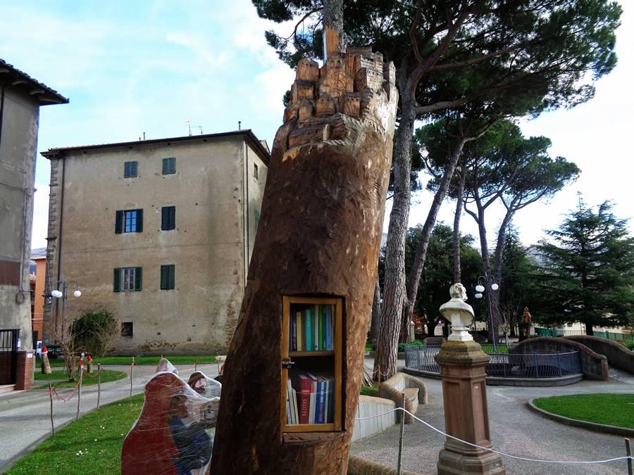 Арчидоссо, уличная библиотека