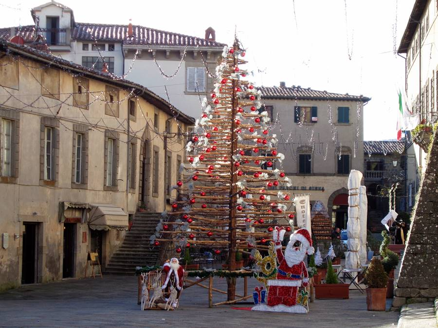 Санта Фьера - рождественская елка