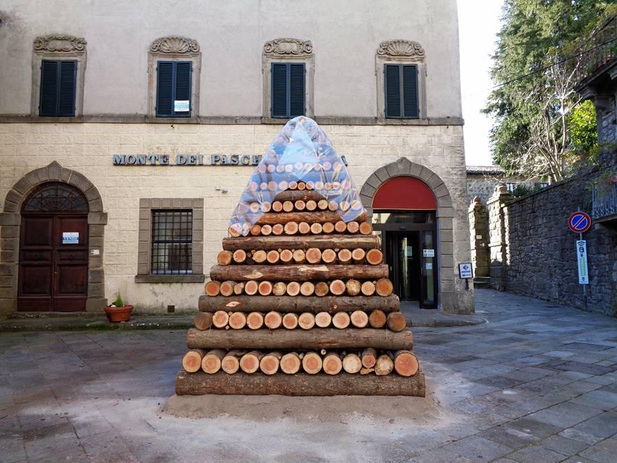 Санта Фьера - дрова к празднику