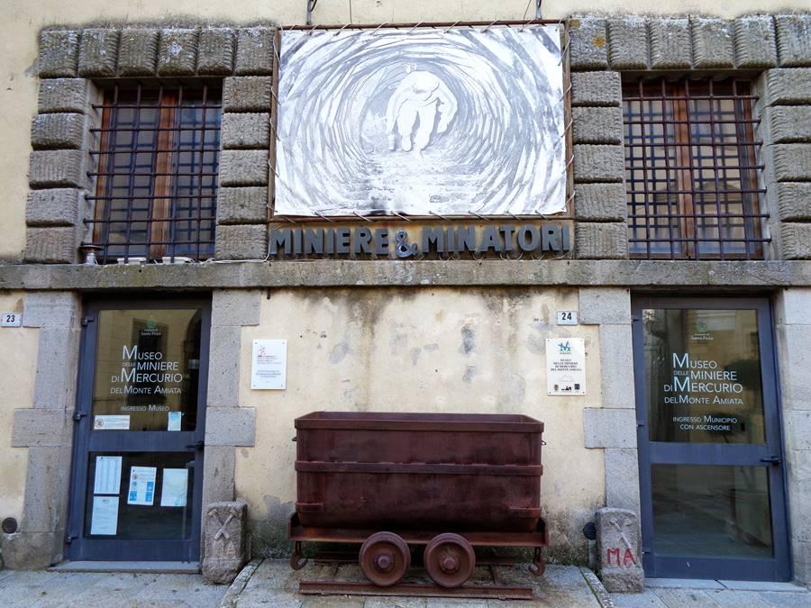 Санта Фьера - рядом с музеем шахт