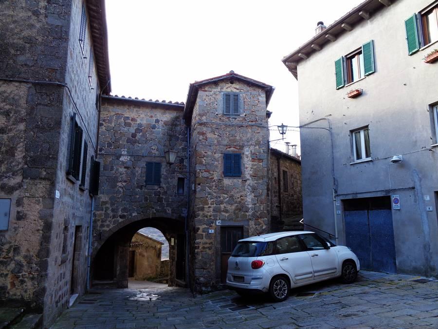 Санта Фьера - в историческом центре