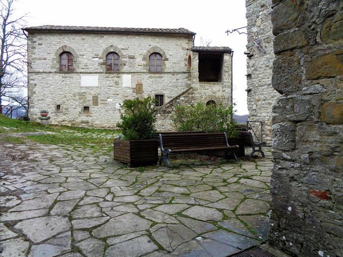 капрезе микеланджело - дом, в котором родился буонаротти