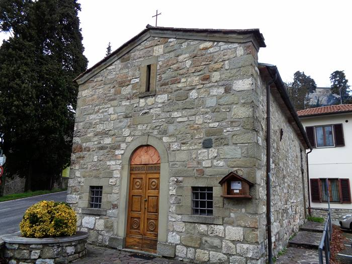 капрезе микеланджело - церковь