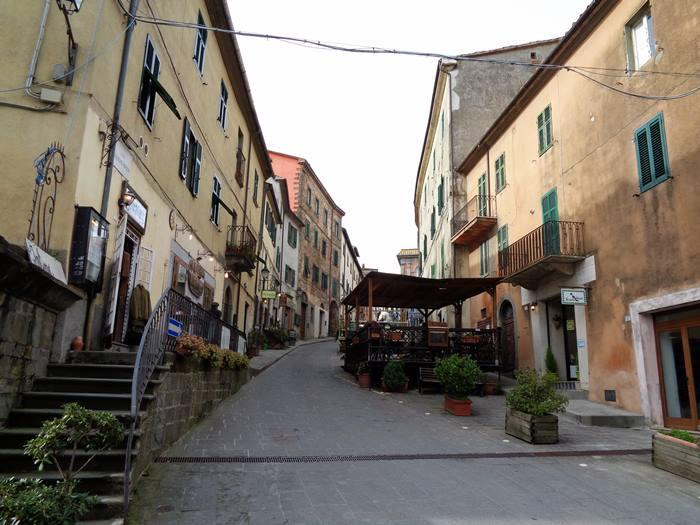 Скансано - улочка в центре