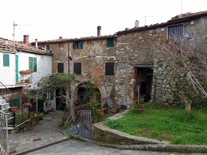 Скансано - старые дома