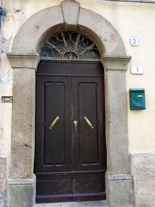 Роккальбенья - ключ в двери