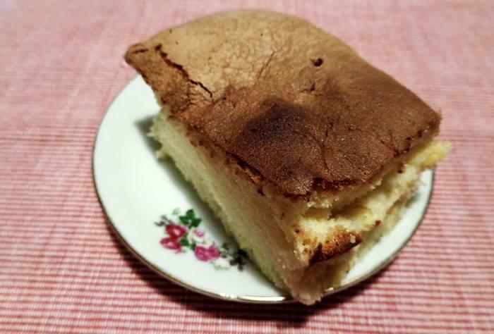 кусок бисквита для итальянскго завтрака