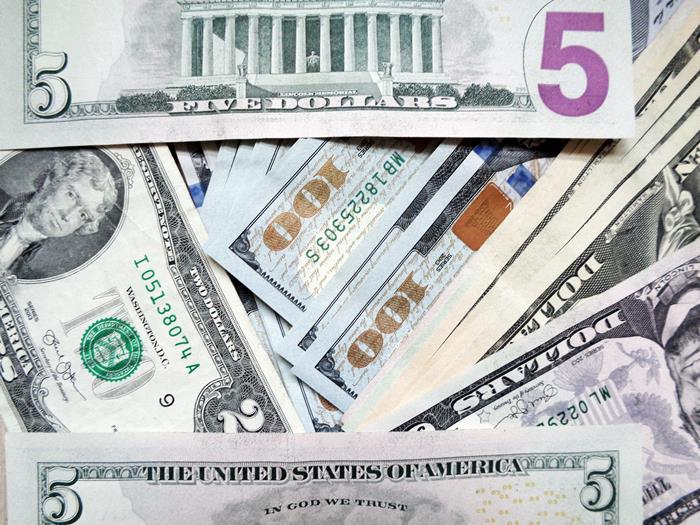 валюта - доллары