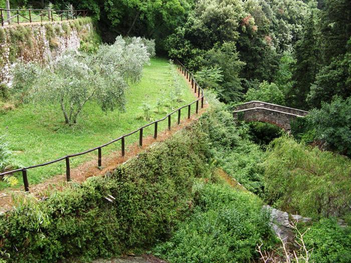 монастыри в Италии - огород