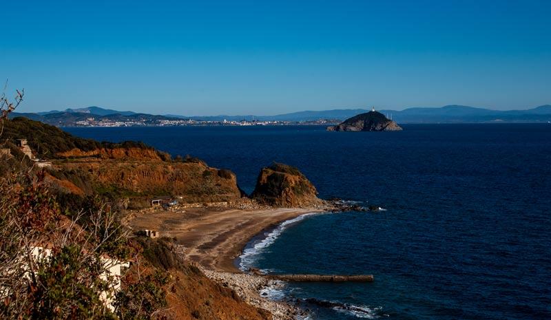пляж Кала Серегола на острове Эльба в Италии