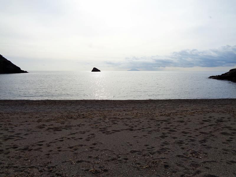 вид с пляжа Ремаёло на море