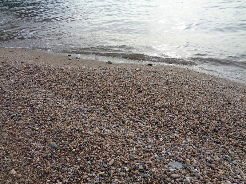 у воды на пляже Ремаёло