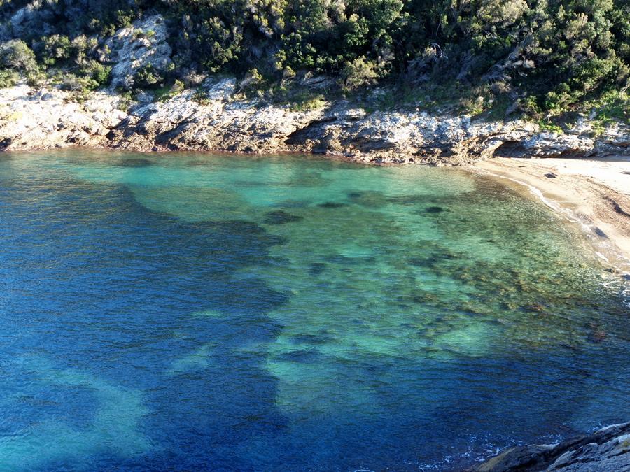 пляж Бузанконе или Чера на Эльбе