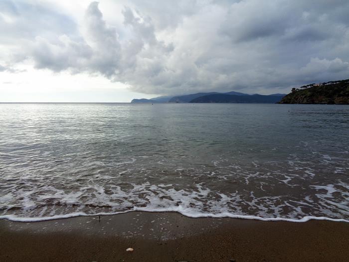 пляж Парети - лёгкая волна