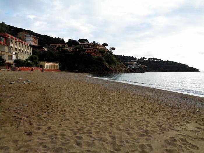 пляж Морконе - левая часть