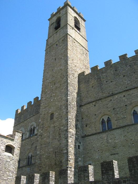 свадьба в Италии - регистрация брака в замке Поппи