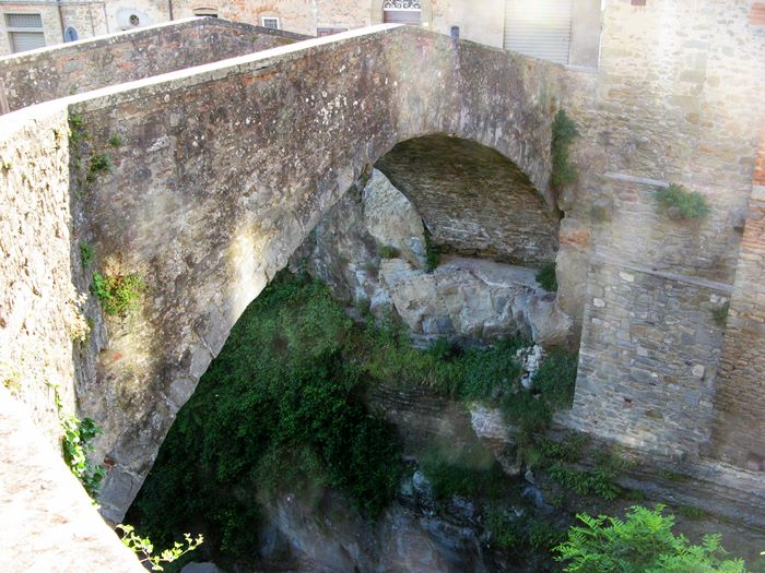 римский мост в Лоро Чуффенна
