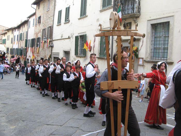 фольклорная группа в Лучиньяно