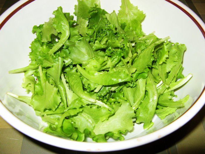 салат на сорую руку - листья салата