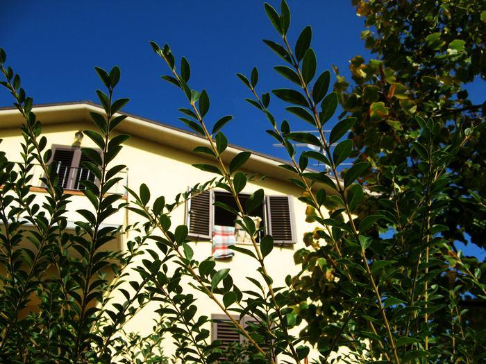 обогрев жилья в Италии в солнечный день октября