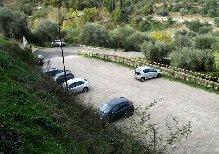 парковка в Петройо
