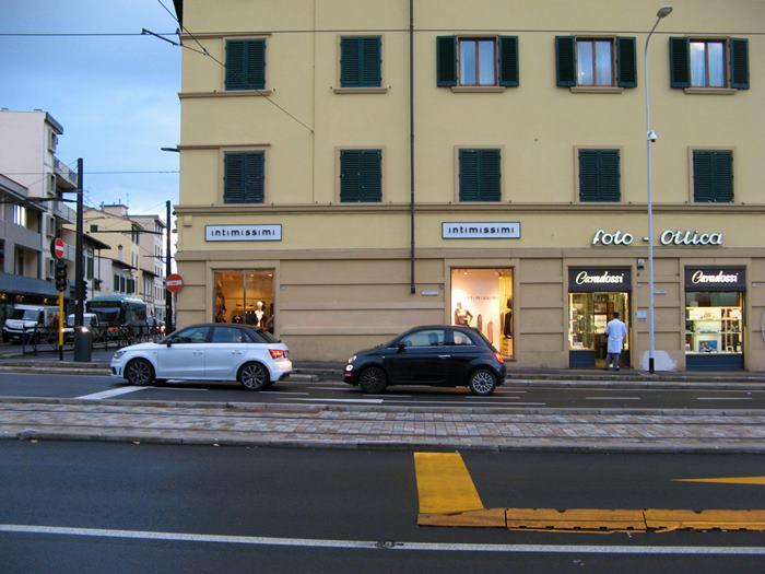 широкая улица во Флоренции