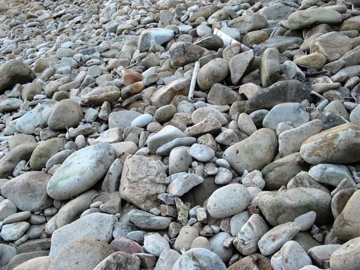 камни на пляже Рипа Барата