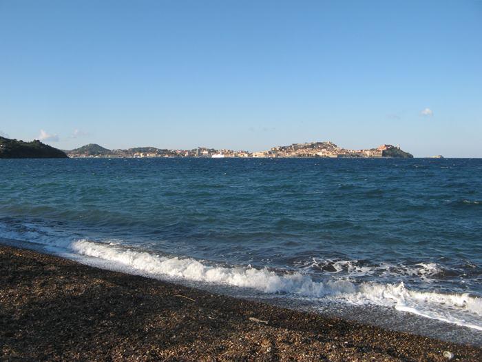 пляж Магадзини - вид на Портоферрайо