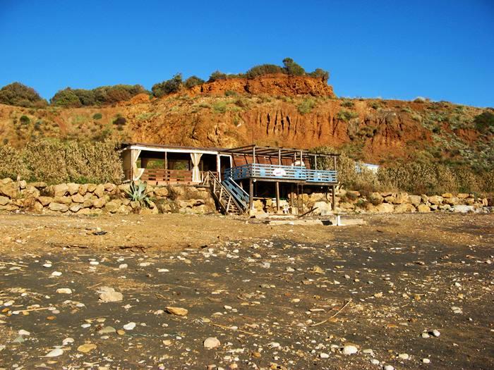 Кала Серегола - бар на пляже