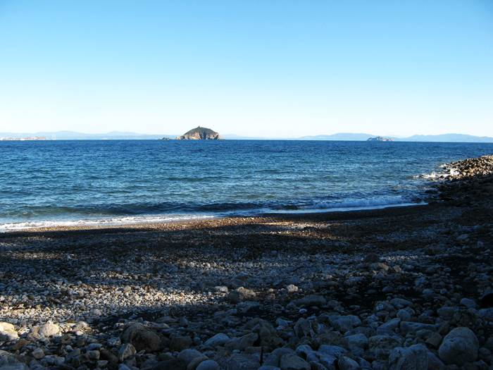 пляж Форначелле - вид на островок