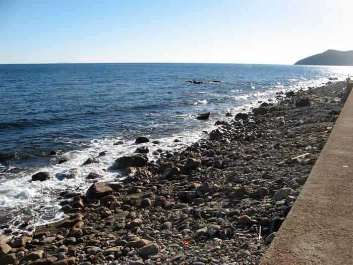 пляж Рипа Бьянка - море и галька