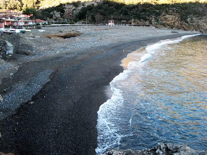 вид на пляж Ортано