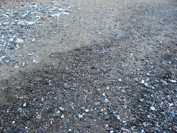 пляж Ортано - песок и камешки