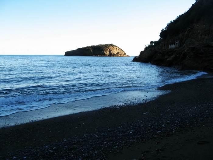 правая часть пляжа Ортано