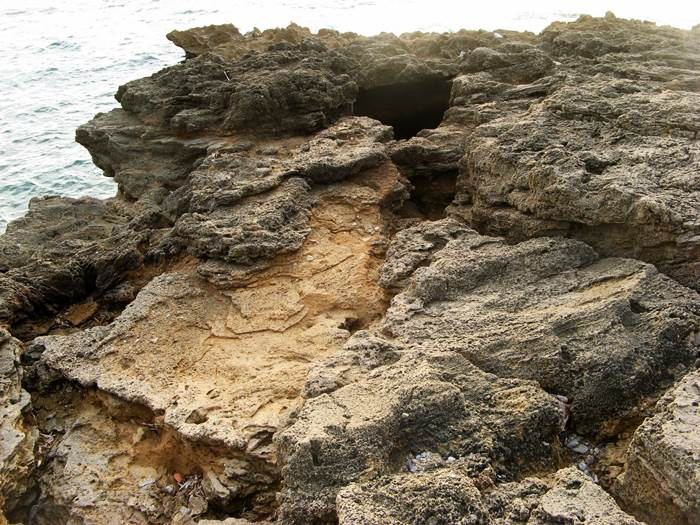 пляж Стекки - скалы