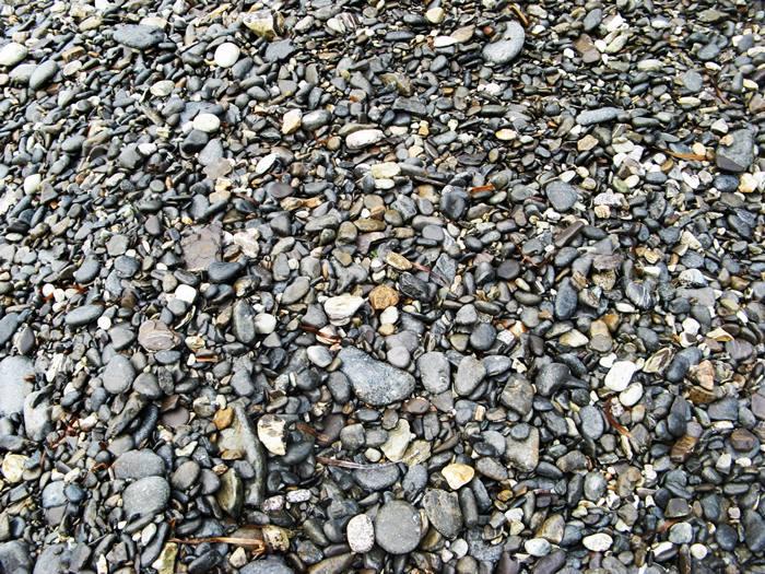 Пляж Полверая - камешки