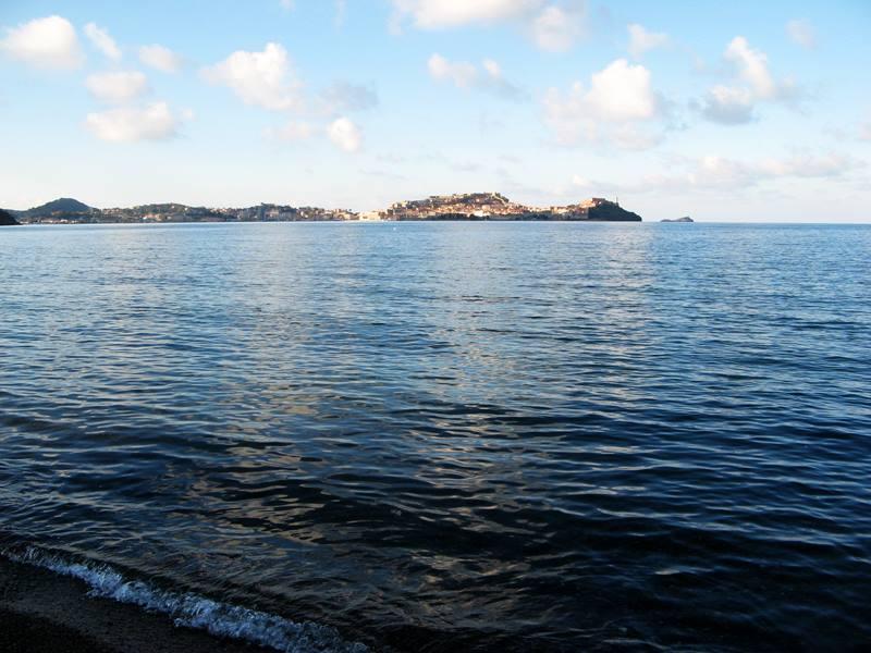 пляж Скиопаралло: вид на Портоферрайо