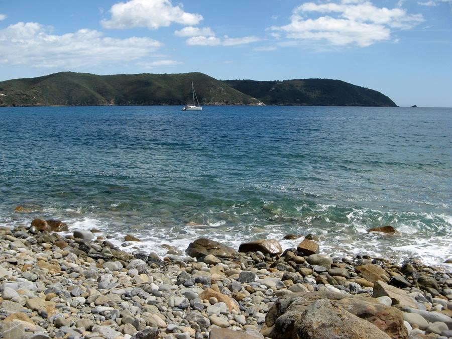 море в мае у острова Эльба