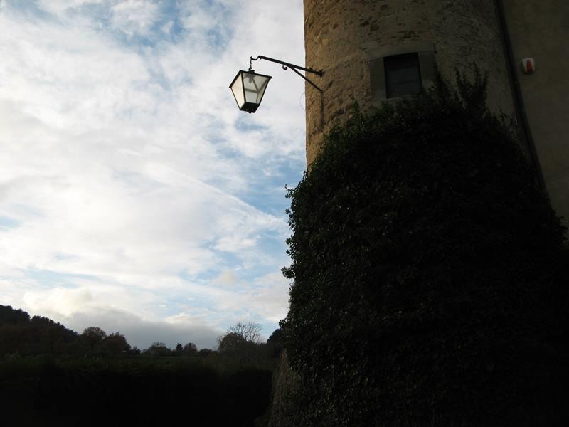 замок Гальбино - фонарь