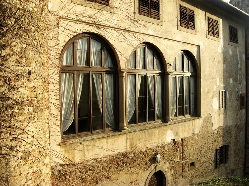 окна столовой в замке Гальбино