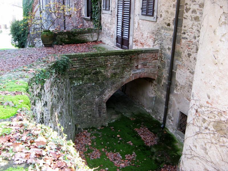 замок Гальбино - мостик