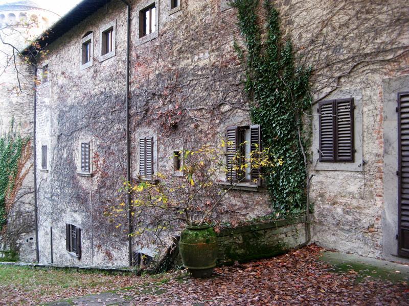 замок Гальбино - правая боковая часть