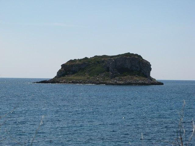 островок рядом с островом Пьяноза