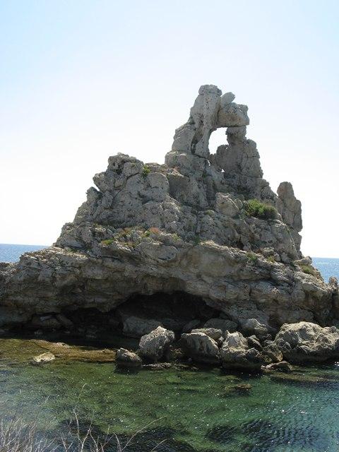 ostrov-pyanoza-остров-пьяноза-скала